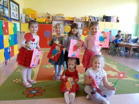Dzień Kobiet w grupie 3-4 latków